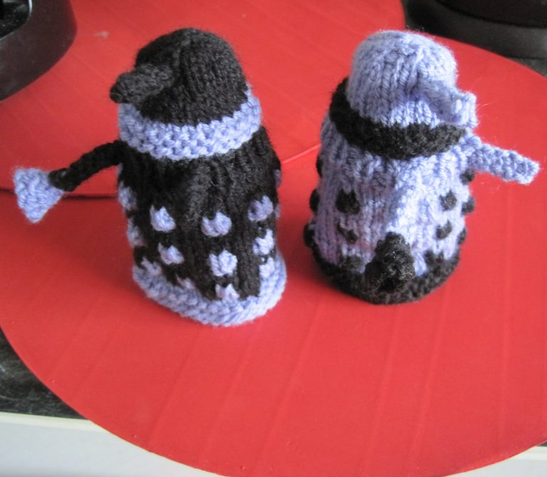 Free knitting pattern for Dalek Egg Cosy