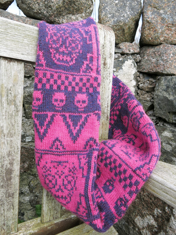 Knitting pattern for Dia de Los Muertos Infinity Scarf