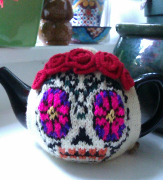 Knitting pattern for Dia de Los Muertos Tea Cozy