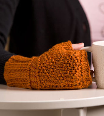 Free Knitting Pattern for Gansey Diamond Mitts