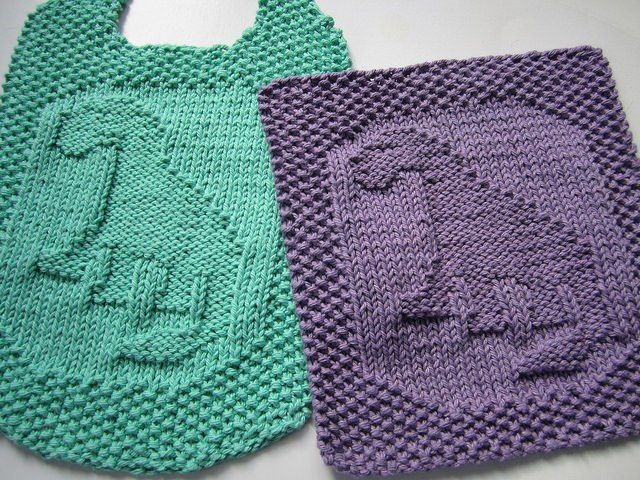 Free knitting pattern for Dinosaur washcloth and bib
