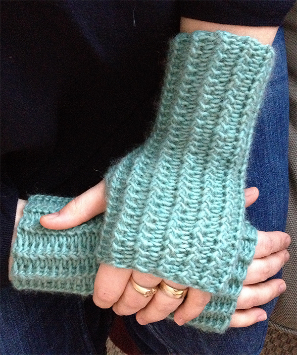 Free knitting pattern for Dwarven Mitts
