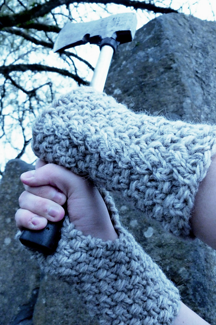 Free knitting pattern for Dwarven Mitts inspired by Bofur and more Lord of the Rings inspired knitting patterns