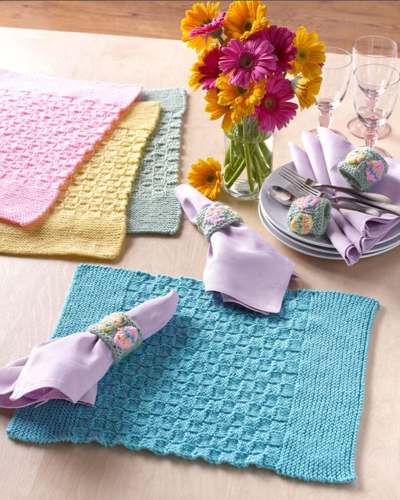 Free knitting pattern for Basketweave Placemats with Easter Egg Napkin Rings