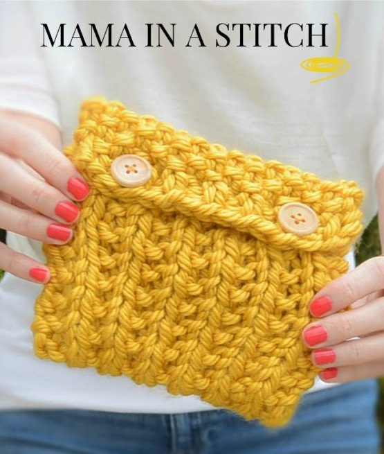 Free knitting pattern for Easy Bag clutch in super bulky yarn
