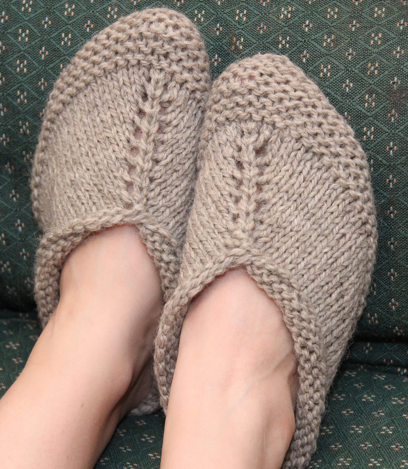 Knitting Pattern for Easy Peasy Slippers