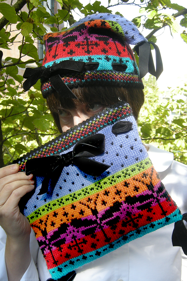 Free knitting pattern for Ebony Jewelwing Hat or Bag