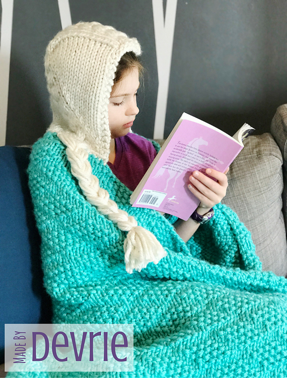 Knitting Pattern for Hooded Elsa Blanket