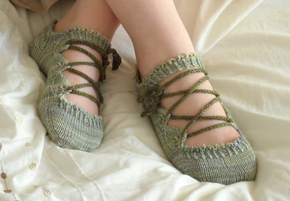Elven Slippers Knitting Pattern