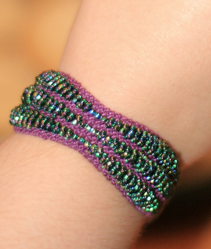 Emerald Beaded Bracelet Free Knitting Pattern | Jewelry Knitting Patterns, many free patterns, at http://intheloopknitting.com/jewelry-knitting-patterns/