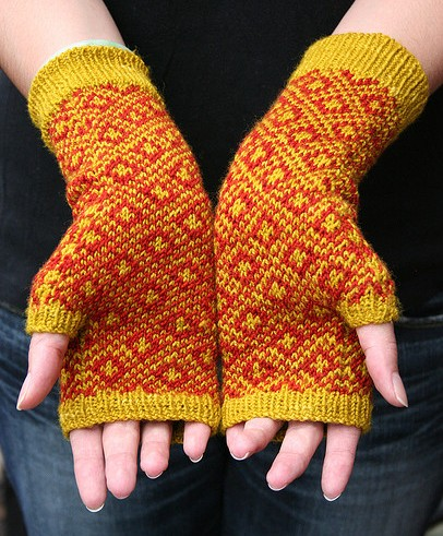 Endpaper Fingerless Mitts free knitting pattern