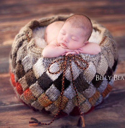 Knitting pattern for Entrelac basket that can be used for home decor or newborn baby photo prop