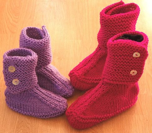 Knitting pattern for Slouch Slippers for the whole family