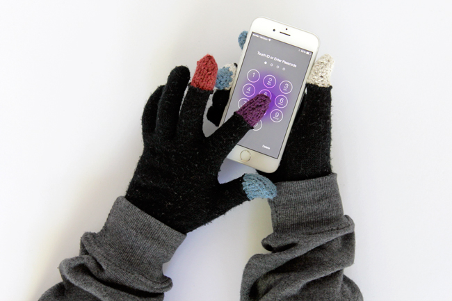 Free knitting pattern for Touchscreen Fingertips and more device knitting patterns