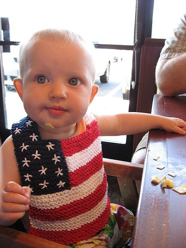 Red, White, and Bib Flag Baby Bib free knitting pattern