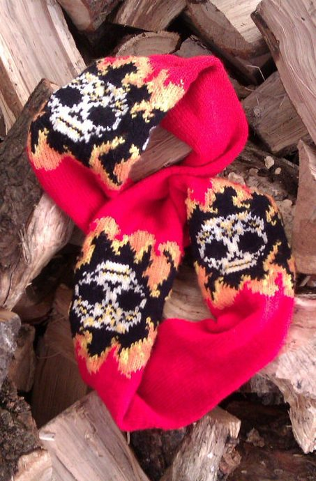 Knitting pattern for Flaming Skulls Scarf