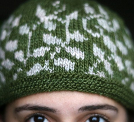Free knitting pattern for Flora fair isle hat with leaves