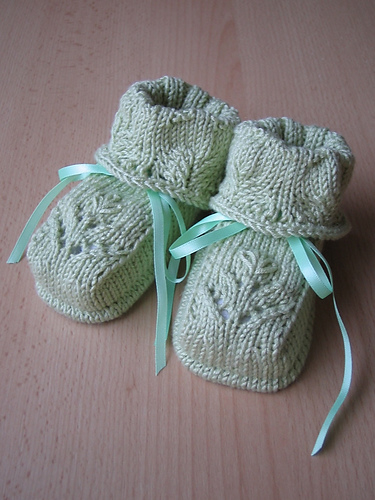 Free knitting pattern for Baby's Floral Bootees and more baby shoe patterns