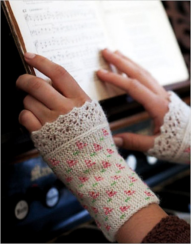 Knitting pattern for Flower and Lace Cuffs with beads and more wristwarmer knitting paterns