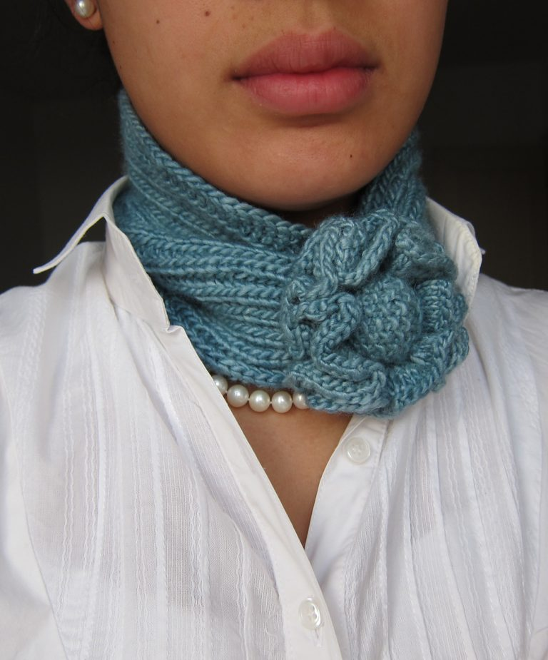 Free knitting pattern for Flower Scarf neckwarmer