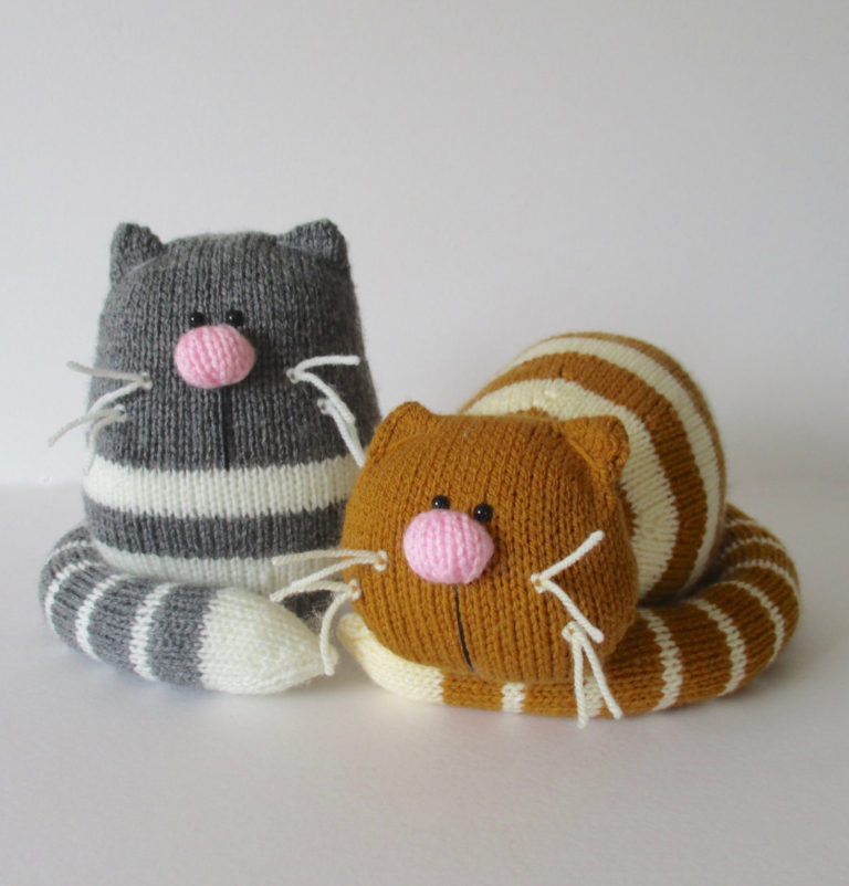 Knitting Pattern for Toy Cats