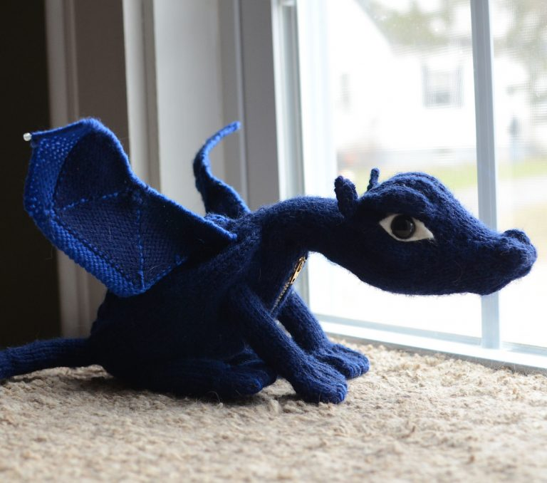 Free knitting pattern for Terry Pratchett's Discworld: Flynn the Swamp Dragon
