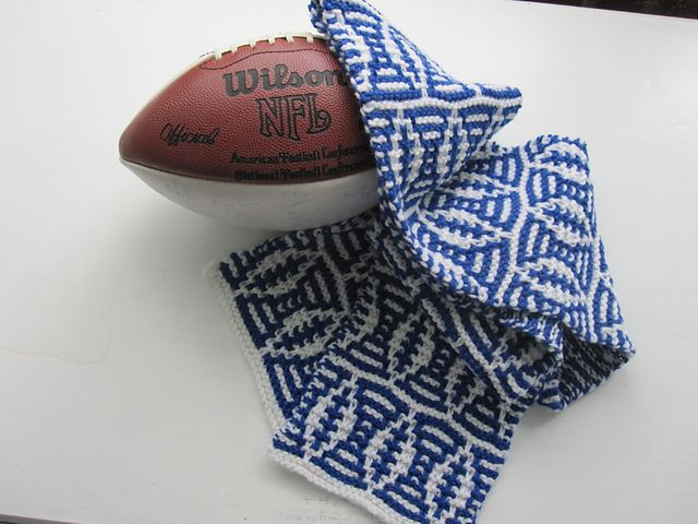 Free knitting pattern for Football Mosaic Scarf and more knitting patterns for ment