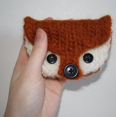 Knitting pattern for Fox Coin Purse