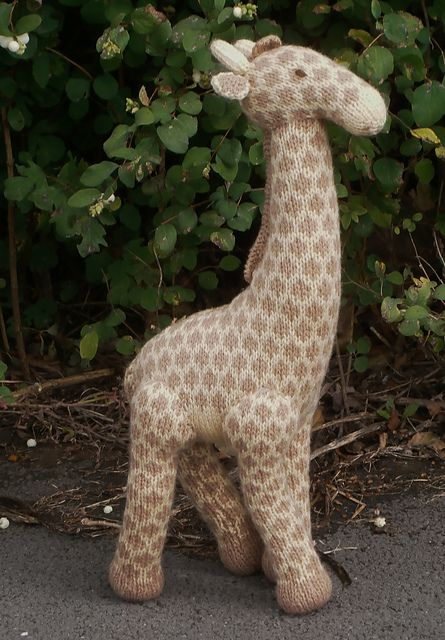Free knitting pattern for Geoffrey Giraffe and more wild animal knitting patterns