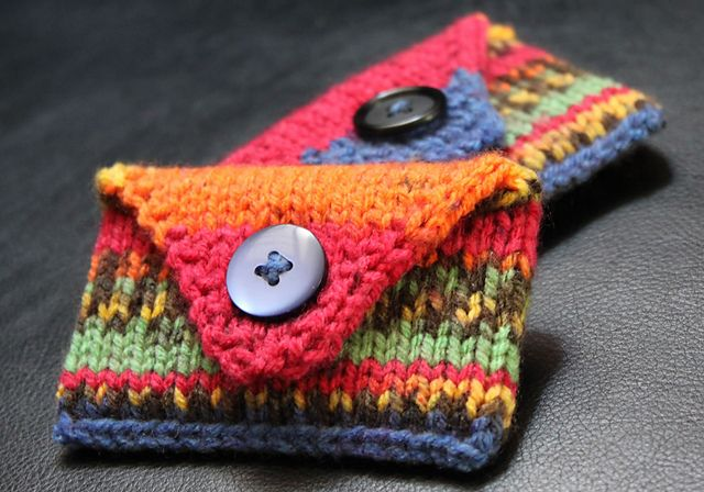 Free knitting pattern for gift card envelope and more gift wrap knitting patterns