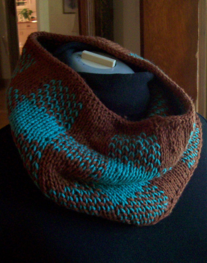 Free Knitting Pattern for Gingham Plaid Neckwarmer