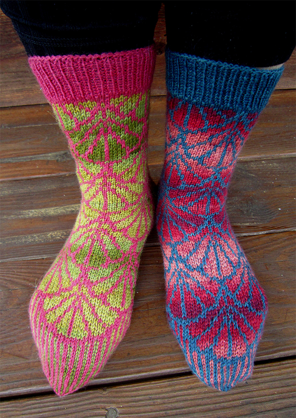 Free Knitting Pattern for Gingko Socks