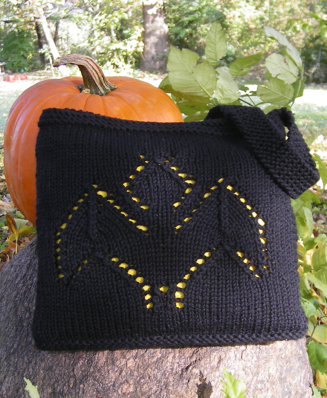 Free Knitting Pattern for Going Batty Bag