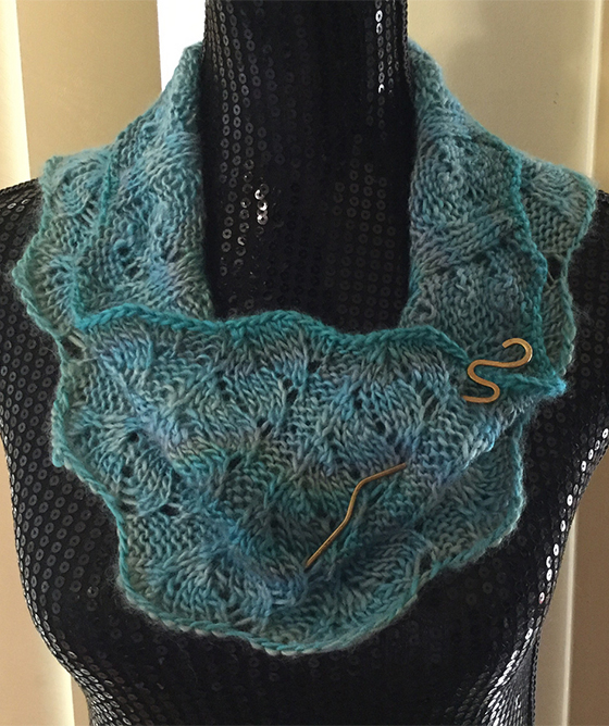 Free Knitting Pattern for Easy 4 Row Repeat Gossypium Cowl