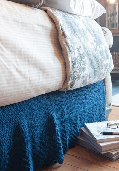 Knitting Pattern for Grande Lace Bed Skirt