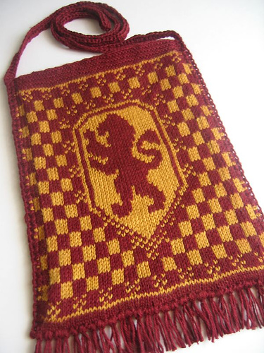 Harry Potter House Fair Isle Pouch Bags Free Knitting Patterns | Harry Potter inspired Knitting Patterns, many free knitting patterns | These patterns are not authorized, approved, licensed, or endorsed by J.K. Rowling, her publishers, or Warner Bros. Entertainment, Inc.