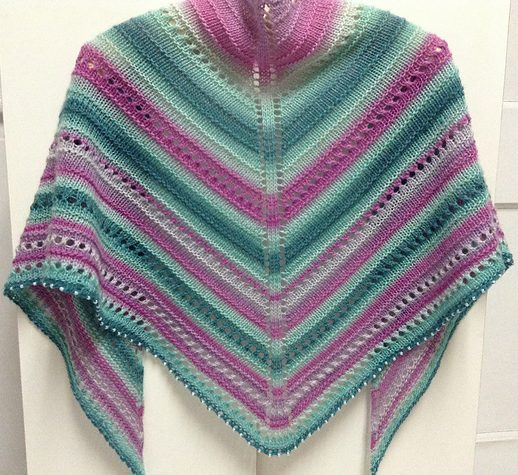 Knitting pattern for easy Have a Seat Please shawl