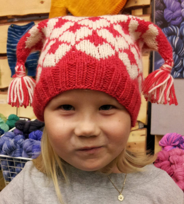 "Free Knitting Pattern for ""I heart you"" hat"