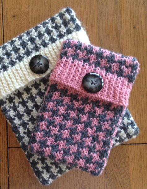 Knitting Pattern for Houndstooth Tablet and Phone cover