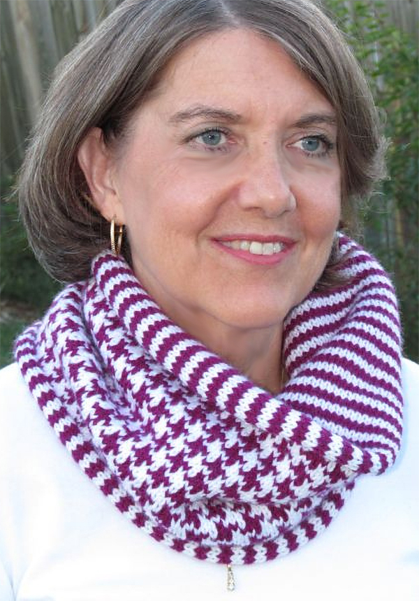 Free Knitting Pattern for Houndstooth and Stripe Cowl