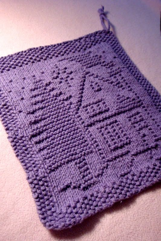 Free knitting pattern for Christmas Home Dish Cloth and more Christmas holiday decoration knitting patterns
