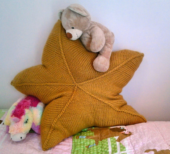 Knitting pattern for Huge Star Pillow and more star knitting patterns