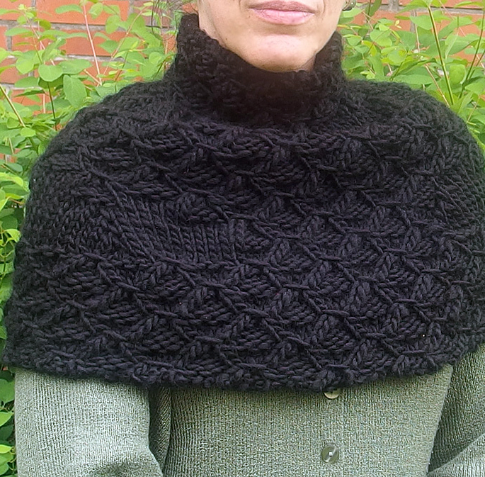 Free Knitting Pattern for Hydrocarbon Cowl