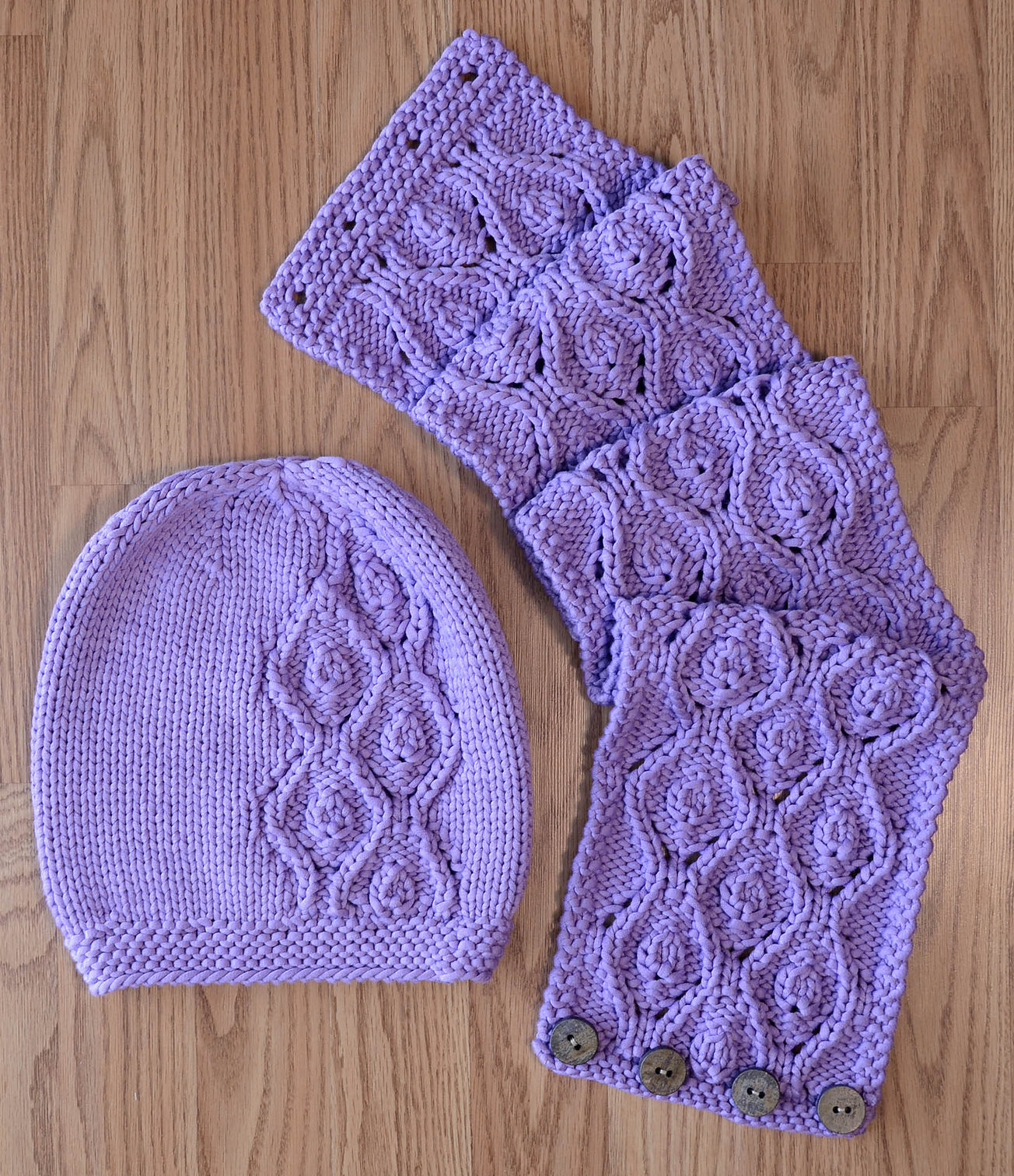 Hat, Scarf, and Mitt Sets Knitting Patterns - In the Loop