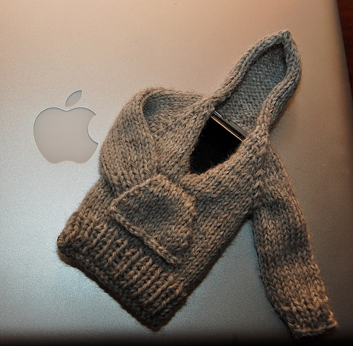 Free knitting pattern for iPhoodie hoodie case for phone and more device knitting patterns