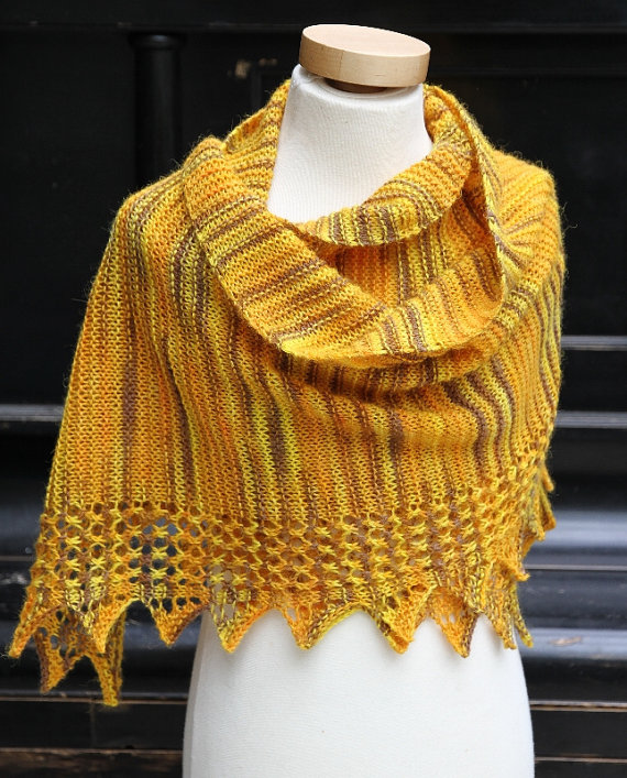 Knitting pattern for Ishka Shawl