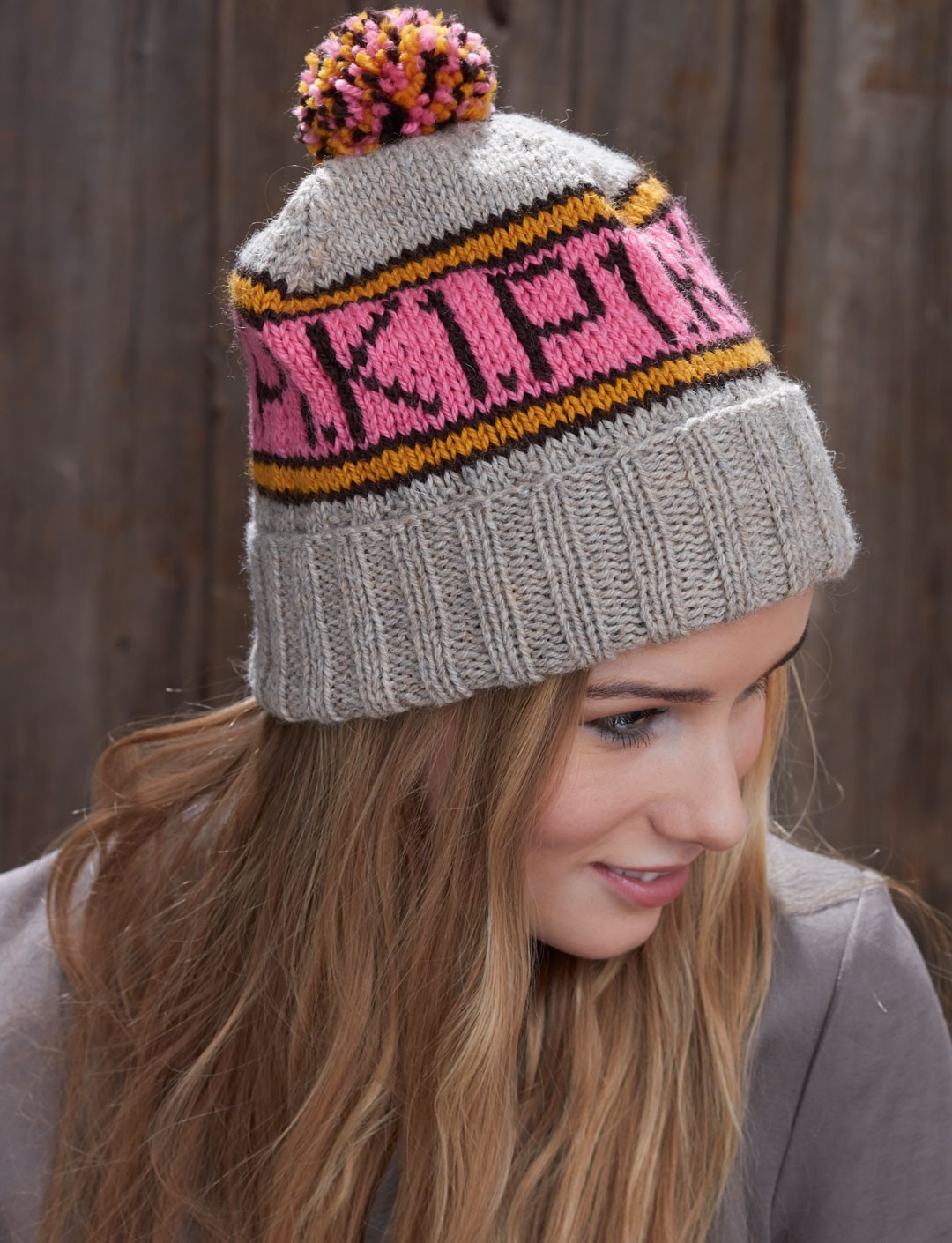 Free knitting pattern for K1 P1 Toque hat with pompom