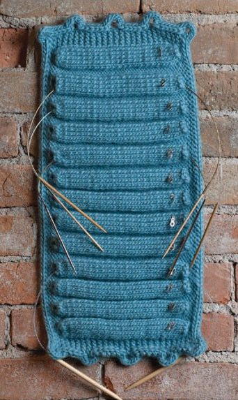 Knitting pattern for circular needle holder