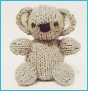 Free knitting pattern for Koala Baby Bear Designed by knitted toy box, this koala baby is 4 inches tall.
