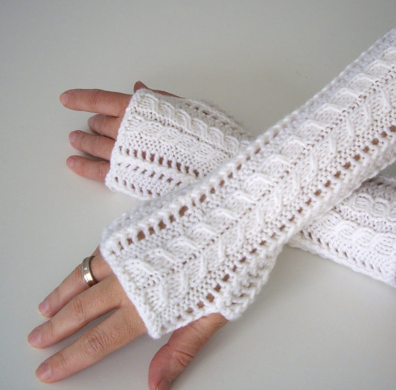 Knitting pattern for Lace Fingerless Gloves